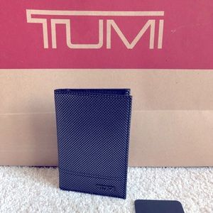 Tumi Folding Card Case W/ ID